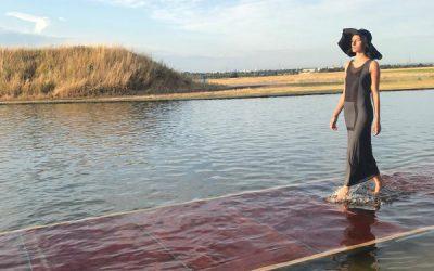 Annette Görtz lässt Models übers Wasser gehen